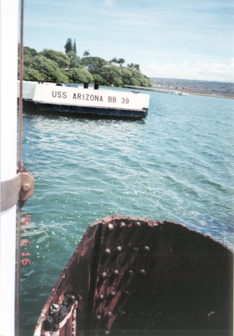 USS Arizona3.jpg (167811 bytes)